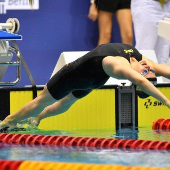 Laura Riedemann mit Goldmedaille über 100m Rücken bei den DM in Berlin