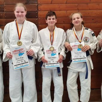 Neun Medaillen bei den Mitteldeutschen Meisterschaften der U21 und U18 in Jena