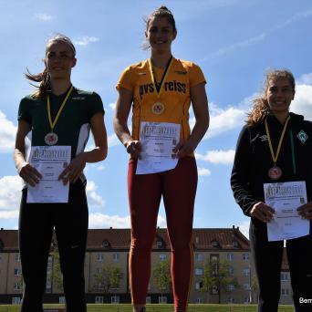 Lucie Kienast (U20) wird Zweite bei der offenen MDMM in Halle 2019